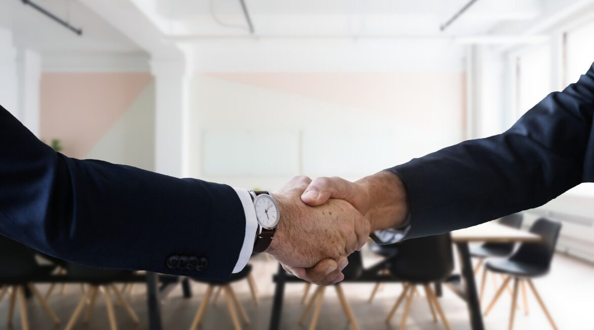 Here are 25 reasons why you should be working with a recruiter no matter what your circumstances.